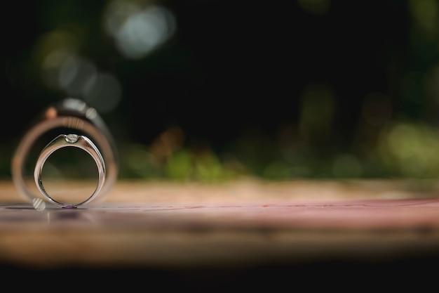 Обручальные кольца, винтажный стиль рисунка