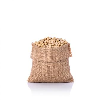 小さな袋の大豆。