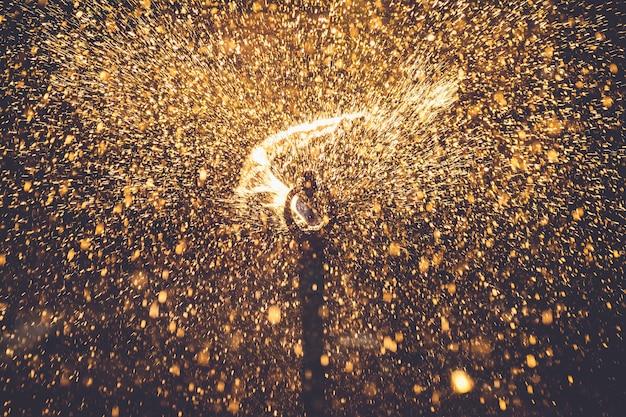 夕焼けライト効果を持つ散水スプリンクラー