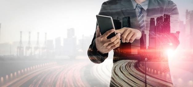 ビジネスコミュニケーションの二重露出の背景