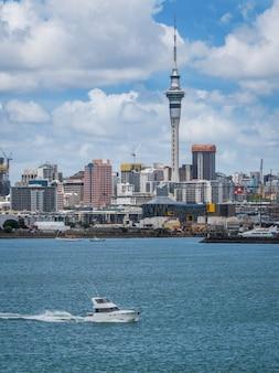 Окленд город небоскребов, новая зеландия