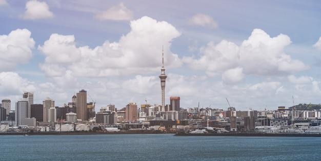 ニュージーランド、オークランド市のスカイライン