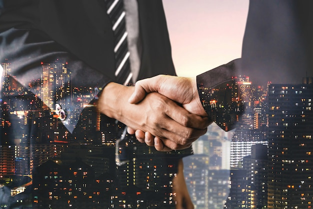 Двойная экспозиция имиджа бизнеса и финансов