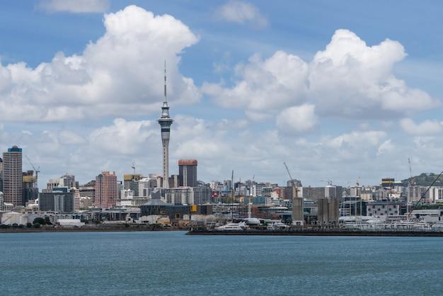 オークランドの街のスカイライン、ニュージーランド