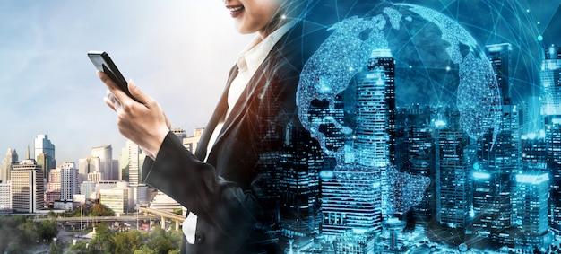 スマートシティで現代の創造的なコミュニケーションとインターネットネットワークがつながる