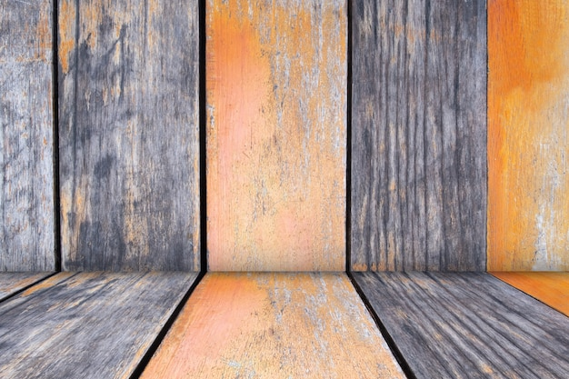 空の木の板