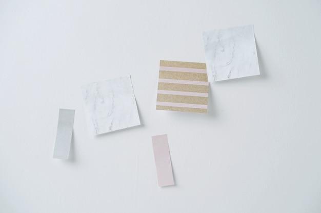 Записки на белой стене.