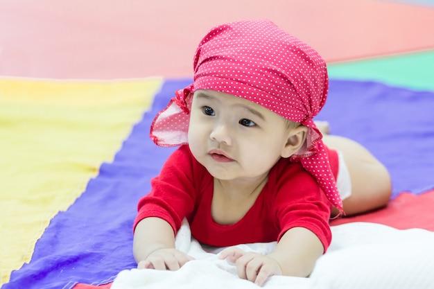 カラフルな生地になりやすいアジアの赤ちゃん