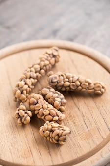 コピ・ルワクまたはサイベット・コーヒー、サイベットによって排出されるコーヒー豆