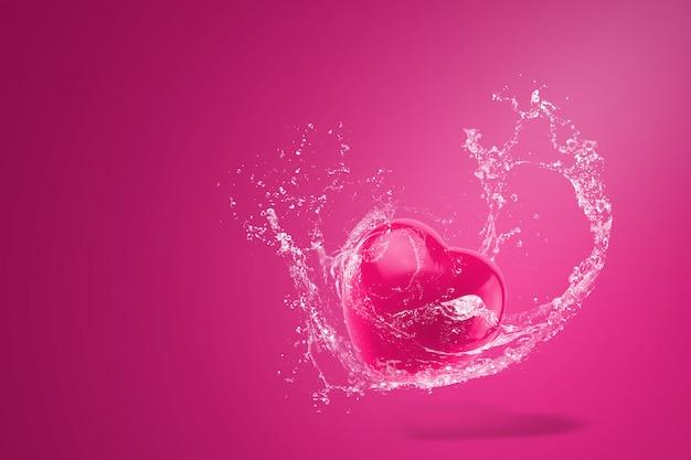 Вода брызгая на красных сердцах над красной предпосылкой. день святого валентина концепция