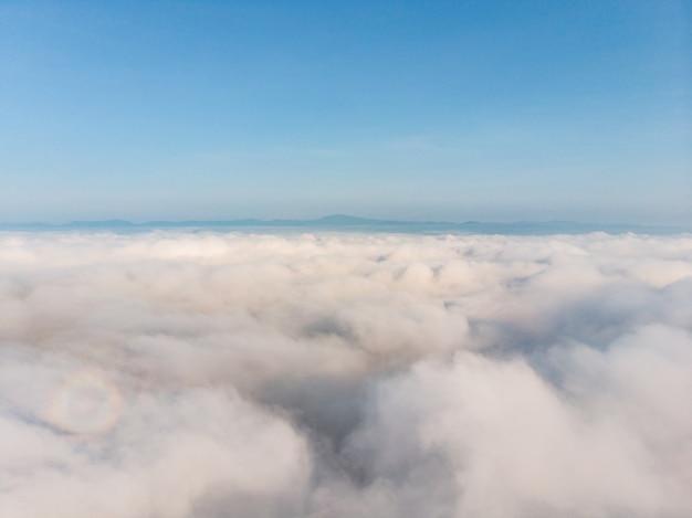 朝の蒸気雲霧
