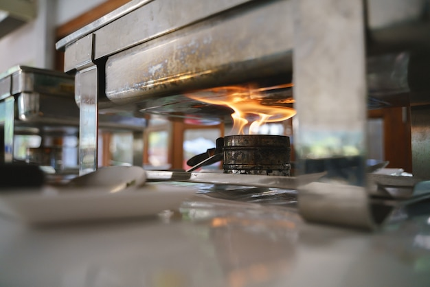 Алкогольная пожарная горелка или плита