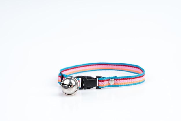犬と猫用のベル付きペット首輪