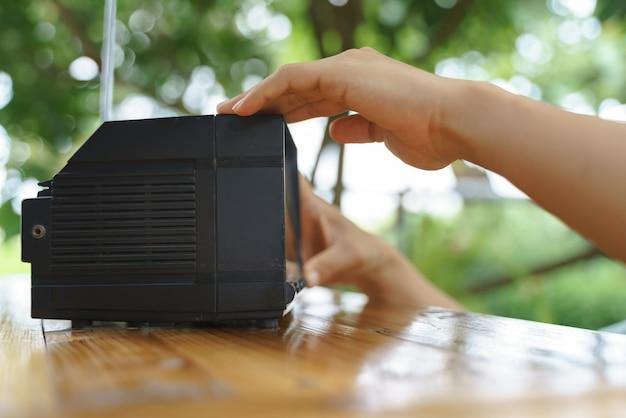 Портативный или маленький аналоговый телевизор