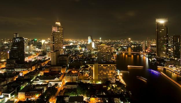 バンコク、タイの近代的な街並み。都市景観。