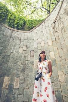 Винтовая лестница подземного перехода в туннеле в форт-каннинг-парк, сингапур