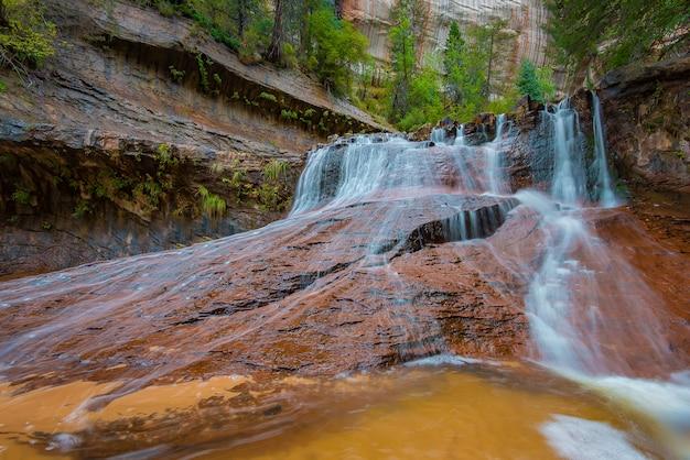 ユタ州ザイオン国立公園大天使滝