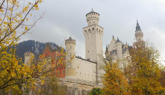 秋のノイシュヴァンシュタイン城