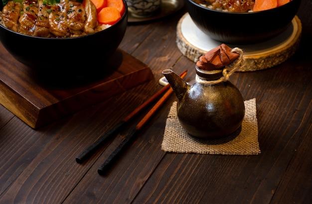 中国風の醤油味の瓶の画像