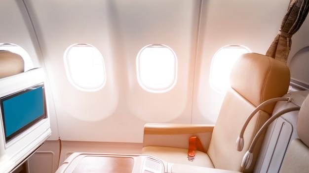 Красивый вид из бизнес-класса самолета