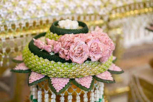 タイの伝統的な結婚式の装飾