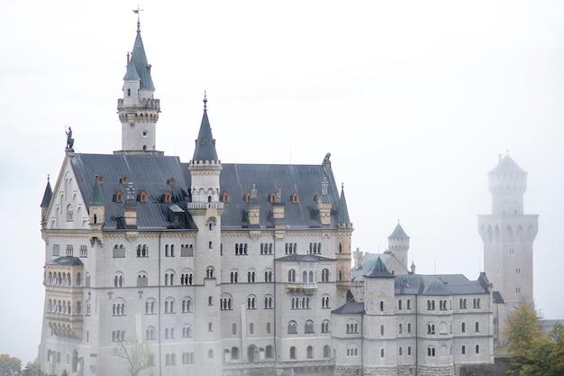 Прекрасный вид на замок нойшванштайн, германия