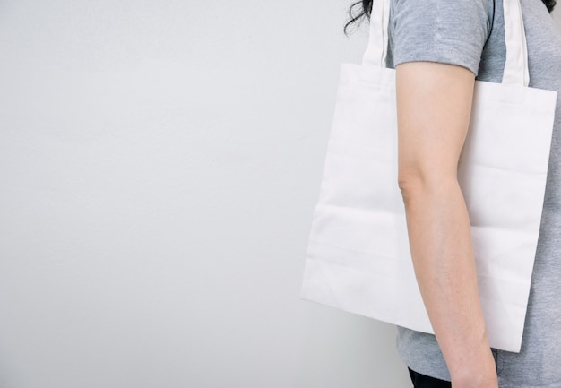 Использование тканевых пакетов вместо пластиковых для хорошего фона