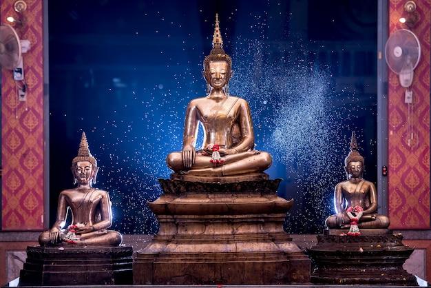 ソングクラン祭りの仏像授賞式