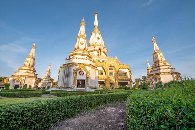 プラ・マハ・チェディチャイ・モンコール寺院、パブリック&有名な寺院、ロイ・エ・タイ