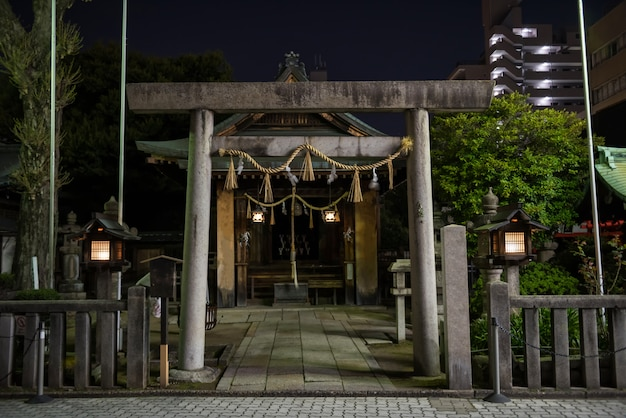 Храм фудзи сенген ночью, нагоя