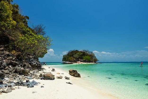 ターレウェーク島。クラビの有名なランドマーク