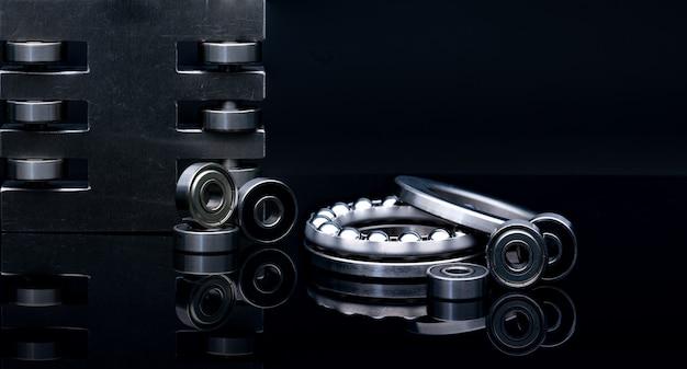 ステンレス鋼スラスト玉軸受とリニアベアリング
