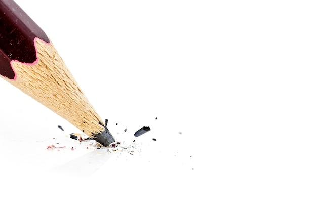 壊れた鉛筆のクローズアップ