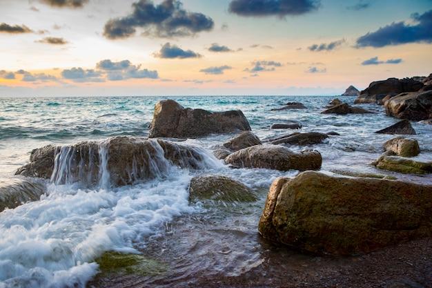 タイで最も人気のある旅行先であるタオ島の海景