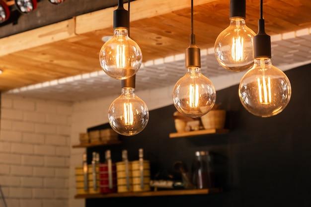 Светодиодные лампы для украшения антикварной кухни