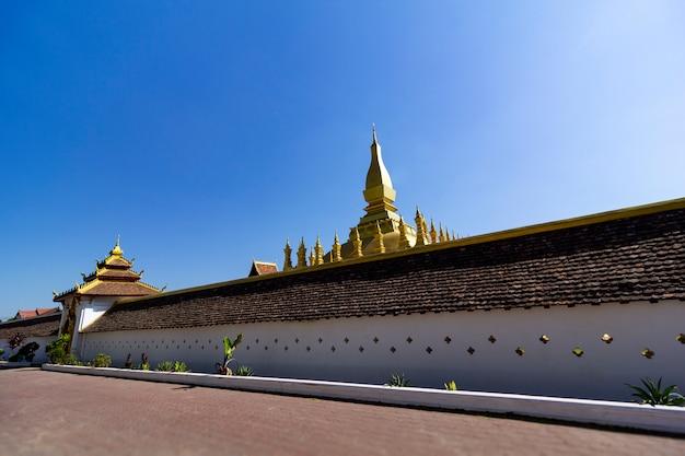 Достопримечательности ват пхра тхат пхра накхон, вианг чан, лаосская народно-демократическая республика