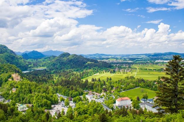 シュヴァンガウの美しい景色。美しい山々、バイエルンアルプス
