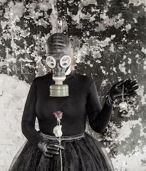 ガスマスクの女の子。エコロジーの脅威。環境を維持する必要性の考え方