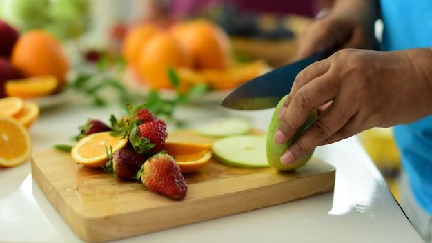 有機野菜や果物の様々な組成。