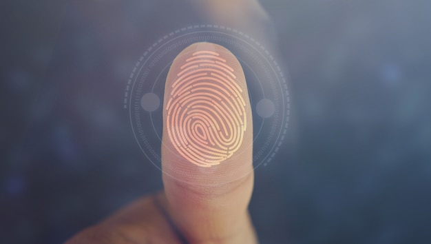 指紋スキャン技術で実業家ログイン。個人を特定する指紋、セキュリティシステムの概念
