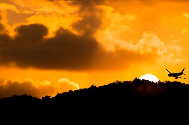 美しい空と夕焼け。