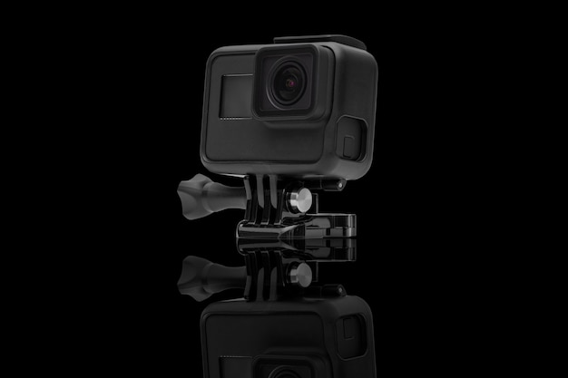 Действие камеры, изолированных на черном