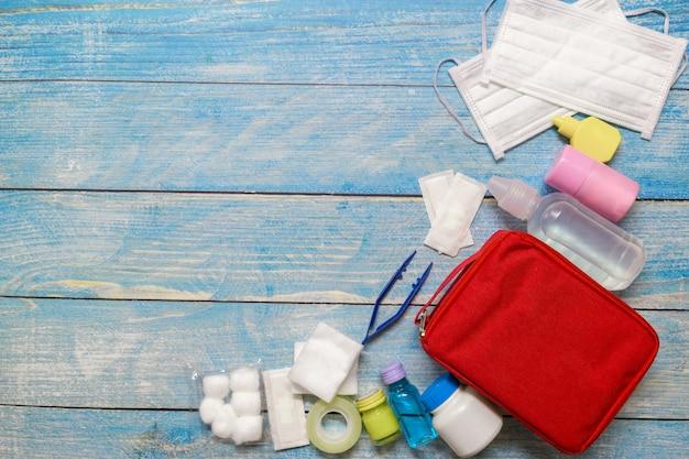 木材の医薬品とトップビュー救急バッグ子供