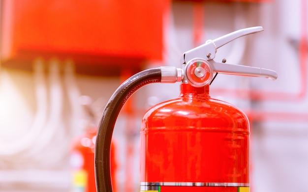 強力な産業用消火システム。