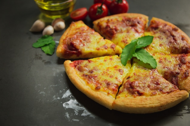 熱いピザチーズのトップビュー