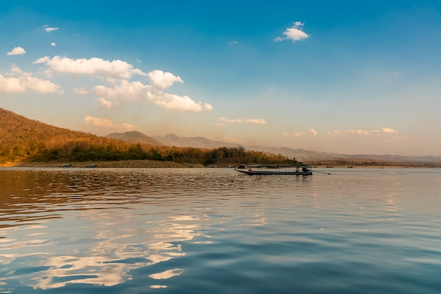 風景画像と美しい自然の背景