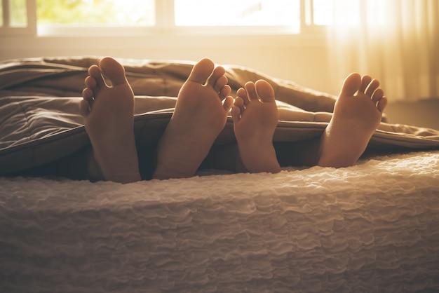 毛布から足