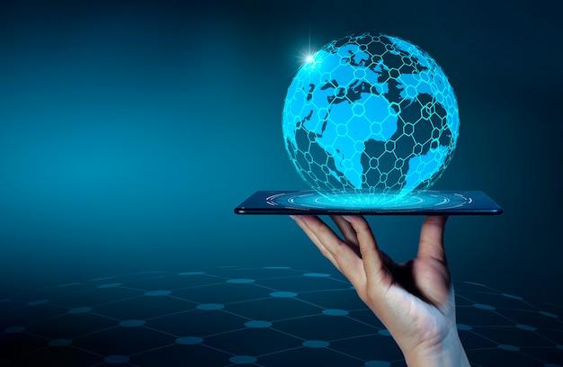 スマートフォンと地球接続珍しいコミュニケーション世界インターネット