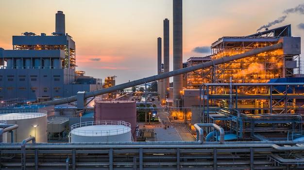 製鉄所、冶金工場、冶金製鋼工場。