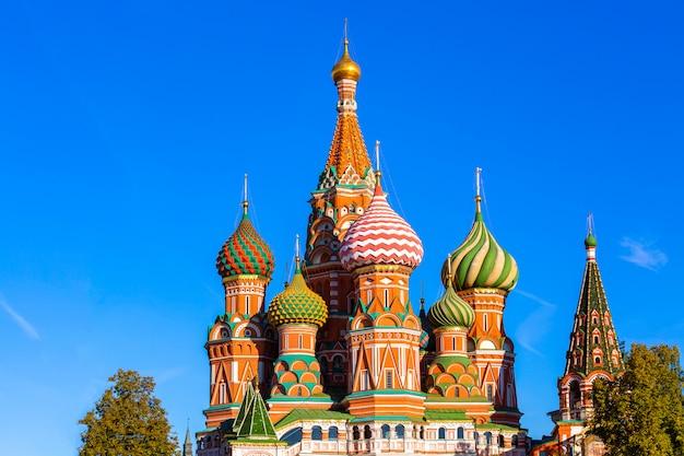 モスクワの赤の広場の聖ワシリイ大聖堂